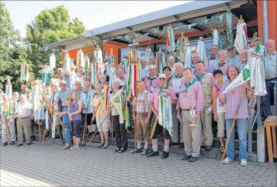 Foto zu Meldung: 800 Wanderfreunde trotzen der Gluthitze - Sternwanderung in Elbingerode gut besucht – Hildesheimer rücken sogar zu Fuß an