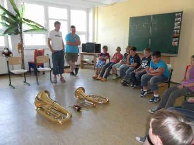 Foto zu Meldung: Instrumente im Musikunterrricht