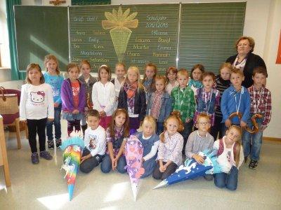 Foto zur Meldung: Mit dem Segen in ein neues Schuljahr – Sprechspiel zum Thema Regenschirm