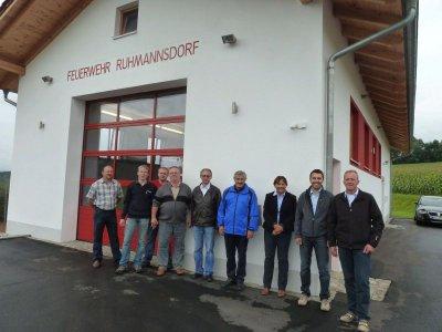 Foto zu Meldung: Abnahme des neuen Feuerwehr-Gerätehauses durch die Regierung