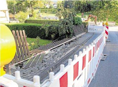 """Foto zur Meldung: Ortsgemeinde: Stützmauer an der Zufahrt zur """"Lehmkaut"""" in Burgschwalbach eingestürzt"""