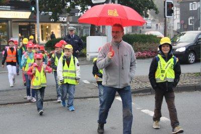 """Vorschaubild zur Meldung: Aktion """"zu Fuß zur Schule"""" 2012"""