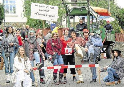 Foto zur Meldung: Ortsgemeinde: Olympischen Gedanken bei Kirmesumzug hochgehalten