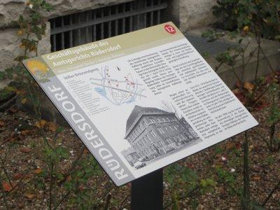 Foto zu Meldung: Einweihung der ersten Tafel des historischen Rundgangs durch Rüdersdorf