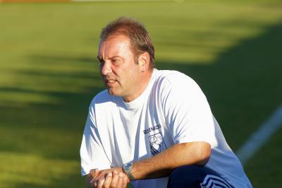Foto zu Meldung: Rainer Stark bleibt Trainer