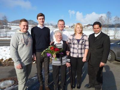 Foto zu Meldung: Zum 80. Geburtstag von Elisabeth Schnitzbauer