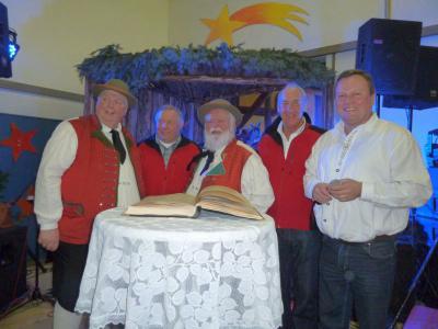 Foto zur Meldung: Die Wildecker Herzbuben sangen beim Weihnachtsmarkt