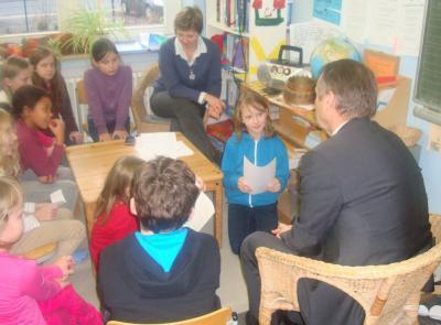 Foto zur Meldung: Herr Moormann besucht die Zeitungs-AG!