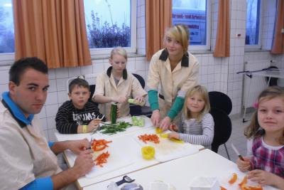 Foto zur Meldung: Milchprojekt mit der Arthur-Becker-Grundschule