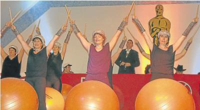 Foto zur Meldung: TuS: Von Fitnessball bis Frauentausch