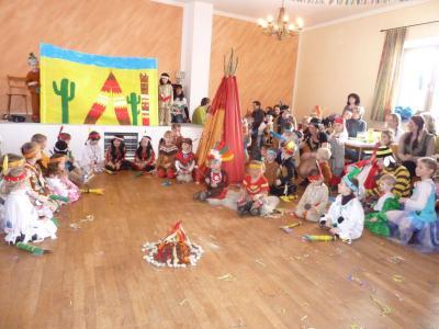 Foto zur Meldung: Indianerfest bei den Kleinen