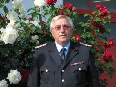 Foto zu Meldung: Dienstjubiläum des Gemeindewehrführers