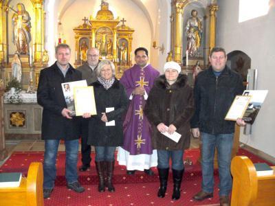 Foto zur Meldung: Kirchenverwaltungsmitglieder in Prackenbach und Krailing verabschiedet