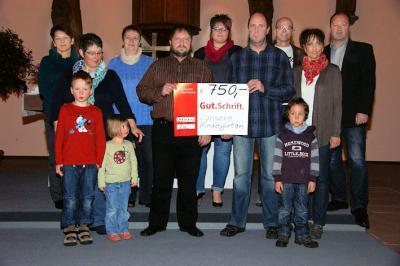 Foto zur Meldung: Kinder freuen sich über Spende