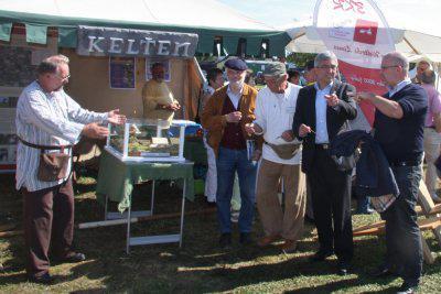 Foto zur Meldung: Innenminister Lewentz ist Schirmherr 850 Jahre Bettendorf - Festhighlights beim Auftakt am Pfingstsonntag