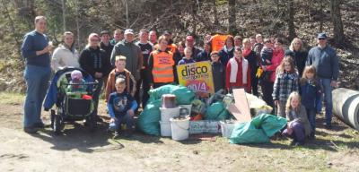 Vorschaubild zur Meldung: Müllsammeln in Königsmoor