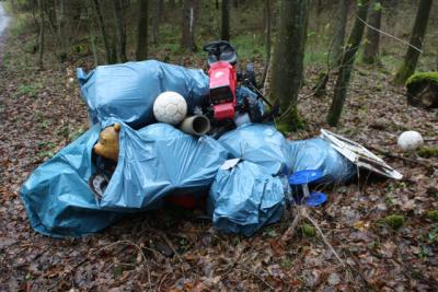 Foto zu Meldung: Müllsünder - wer hat etwas beobachtet?