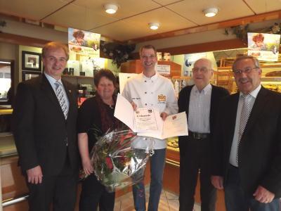 Foto zu Meldung: Landesehrenpreis an Bäckerei Dhein verliehen