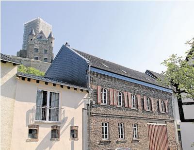 Foto zur Meldung: Ortsgemeinde: Übernachten am Fuß der Burg Schwalbach