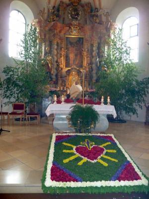 Foto zur Meldung: Fronleichnamsfest in der Pfarrei St. Georg