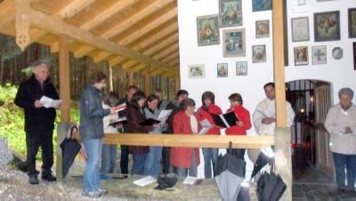 Foto zur Meldung: Letzte Maiandacht bei der Kesselbodenkapelle