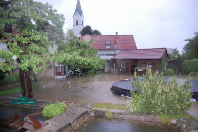 Foto zur Meldung: Hochwasserbekämpfung