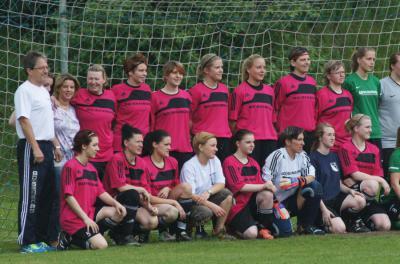 Foto zu Meldung: Entscheidngsspiel um die Meisterschaft in der Frauen-Kreisliga Ost: FC Marktleuthen – FC Vorwärts Röslau 6:2 (2:0)