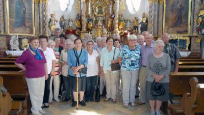 Foto zur Meldung: Haidstein, Priestergrab in Runding und Wallfahrtskriche Weißenregen besichtigt
