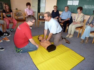 Foto zur Meldung: Erster Hilfekurs war ein voller Erfolg