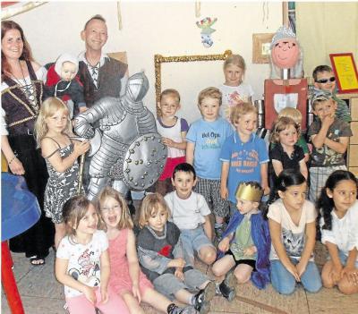 Foto zu Meldung: Kindertagesstätte:  Kita Salto Vitale verwandelt sich zum Fest in die Burg Eulenschrei