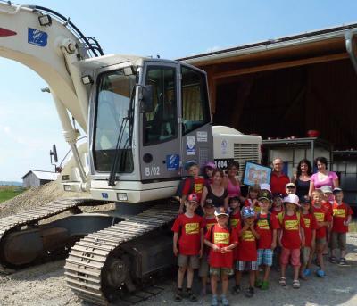 Foto zur Meldung: Vorschulkinder beim Lorenz-Bau