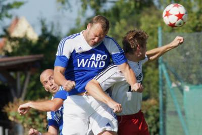 Foto zu Meldung: Landesliga: FSV Stadeln -   FC Vorwärts Röslau 2:1 (0:0)
