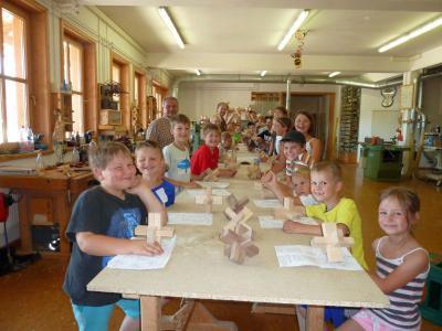 Foto zu Meldung: Ferienprogramm – Kinder stellten einen Teufelsknoten her