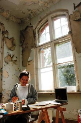 Foto zu Meldung: Klinikgebäude wird zum Kunstatelier
