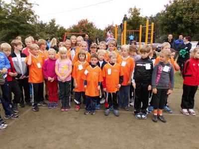 Foto zur Meldung: 12 Medaillen für die Elbtalgrundschüler beim Herbstcrosslauf in Breese am 25.09.2013