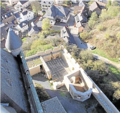 Foto zur Meldung: Ortsgemeinde: Zweiter Bauabschnitt der Burg vor dem Ende