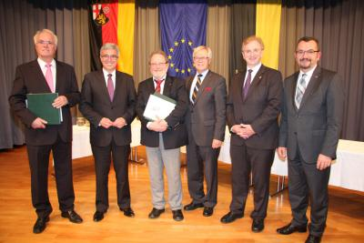 Foto zu Meldung: Verdiente Kommunalpolitiker aus der Verbandsgemeinde Rheinböllen mit der Freiherr-vom-Stein-Plakette ausgezeichnet