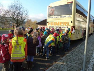 """Foto zur Meldung: Dokumentation """"Toter Winkel"""" und Verhaltensregeln am Schulbus und als Radfahrter"""