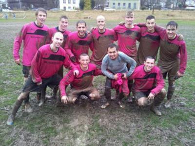 Foto zu Meldung: Kreisklasse: FC Niederlamitz - FC Vorwärts II 4:6 (0:3)