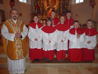 Foto zur Meldung: Sieben neue Ministranten in den Dienst am Altar aufgenommen