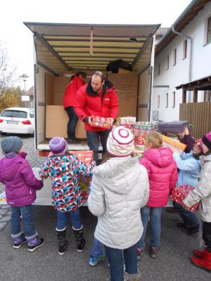 Foto zur Meldung: Humedica – Geschenke mit Herz für Kinder in Not