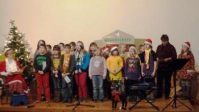 Foto zur Meldung: Weihnachtsfeier Grundschule Hoym