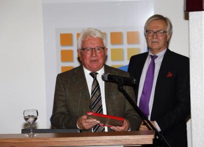 Foto zur Meldung: Ehrenamtspreis an Norbert Hipp verliehen