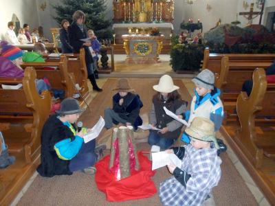 Foto zur Meldung: Auf dem Weg zur Krippe – Auch die Hirten wollen zu Jesus kommen