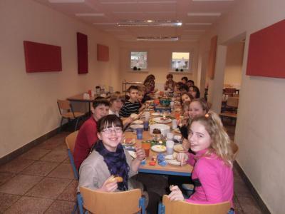 Foto zur Meldung: Weihnachtsfrühstück der Klasse 5a