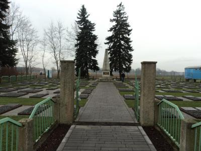 Vorschaubild zur Meldung: Stand der Restaurierung und Neugestaltung der russischen Kriegsgräberstätte in Brielow