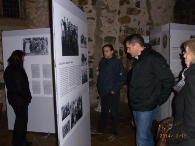 """Foto zur Meldung: Ausstellungseröffnung """"Erzwungene Wege"""""""
