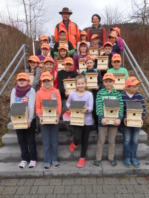 Foto zur Meldung: Naturschutzunterricht in der Grundschule