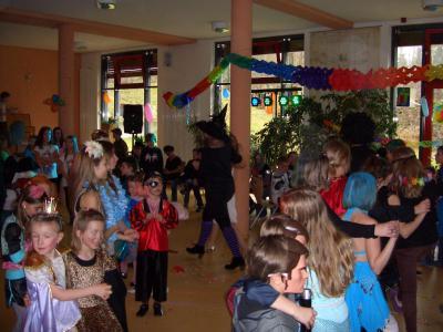 Foto zur Meldung: Wenn in der Teupitzer Grundschule Fastnacht ist