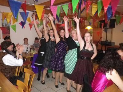 Foto zur Meldung: Närrisches Treiben beim Dorfverein